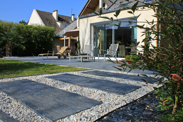 terrasse et pas japonais modern patio other metro by jardin cr ation. Black Bedroom Furniture Sets. Home Design Ideas