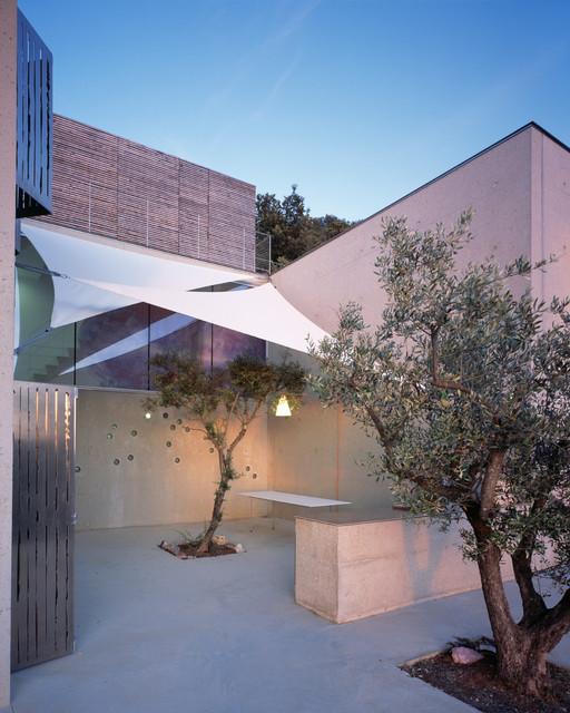 Patio Contemporain: Une Habitation En Provence