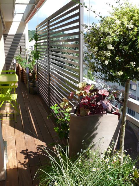 vue gauche apr s jardini re sur mesure et claustras contemporain terrasse et patio lyon. Black Bedroom Furniture Sets. Home Design Ideas