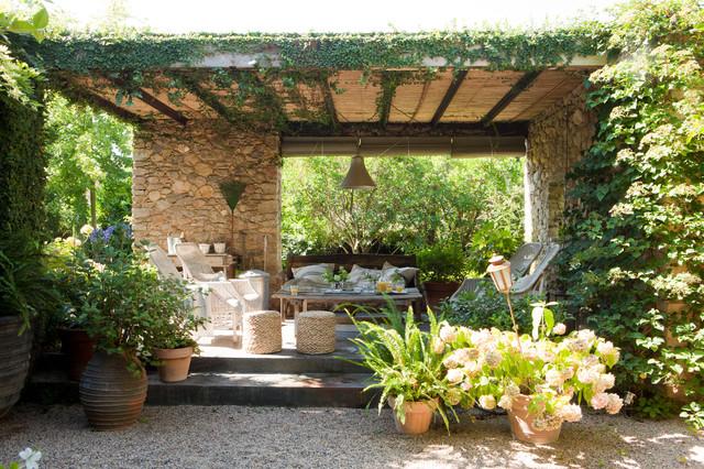 Zeen cosy campagne terrasse et patio other metro - Jardin maison de campagne ...