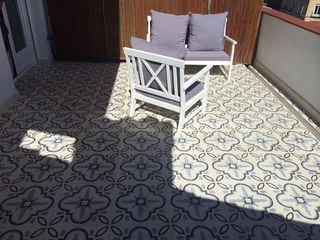 Baldosa hidr ulica en exteriores for Baldosas para patio exterior