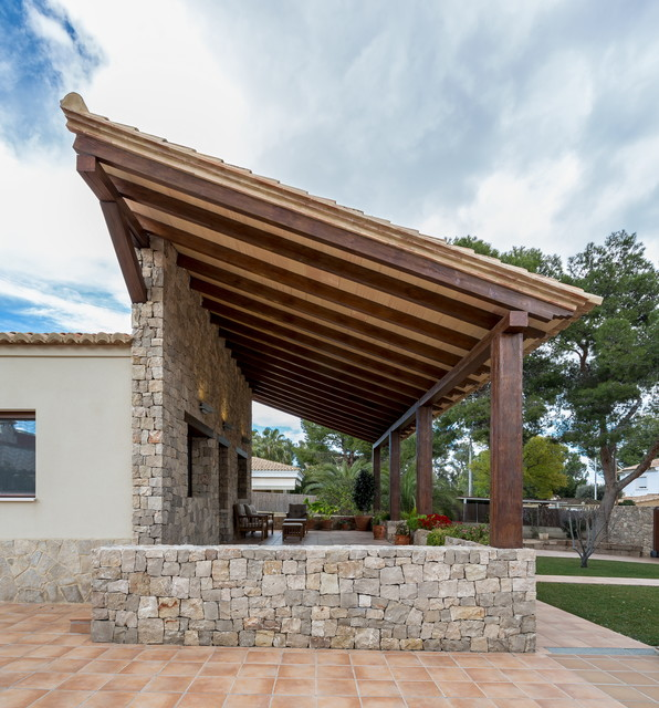 casa del porche de piedra mediterraneo porche - Porche Casa