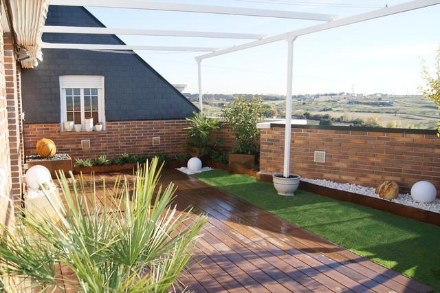 Dise o terraza de tico for Disenos terrazas modernas fotos