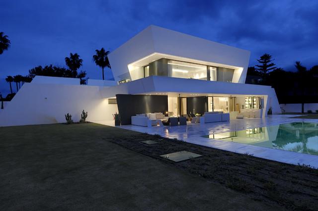 Vivienda sotogrande mediterr neo porche madrid de for Arquitecto sotogrande