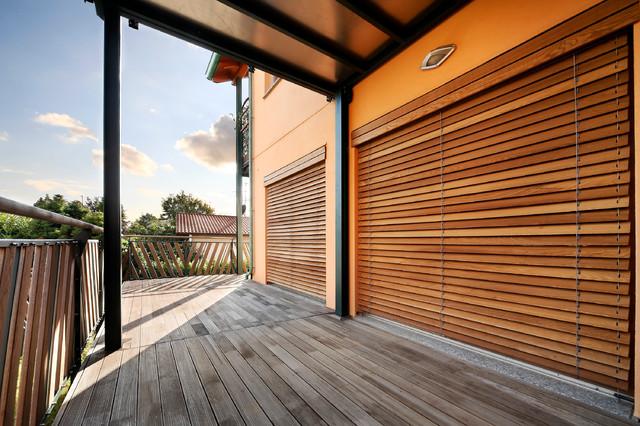 Case in legno contemporaneo terrazza milano di for Galimberti case legno