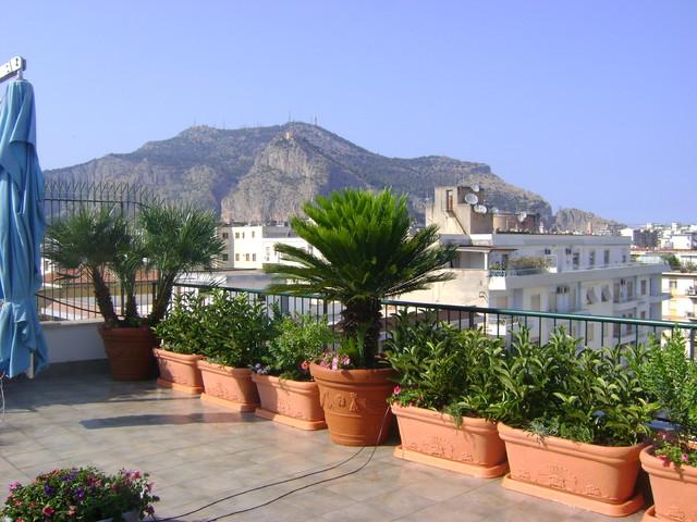 Foto terrazzo con vista panoramica for Foto giardini a terrazza