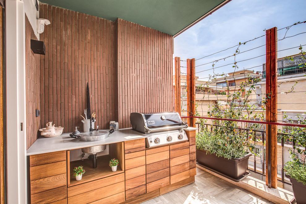 Esempio di una terrazza minimal con un tetto a sbalzo