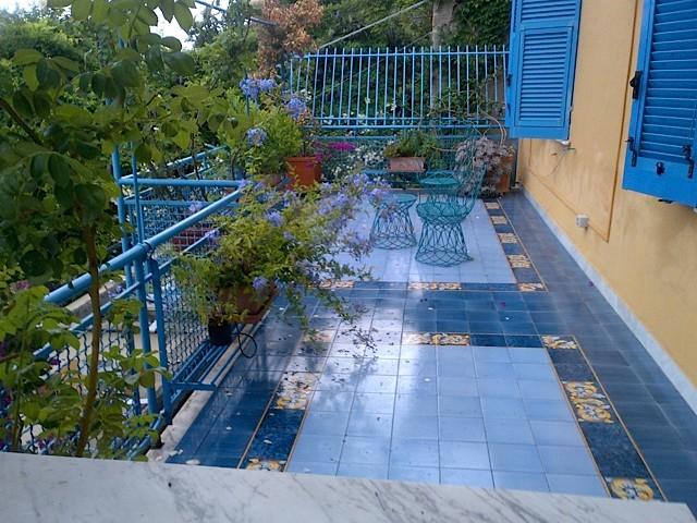 Studio pavimentazione terrazzi con piastrelle Vietresi