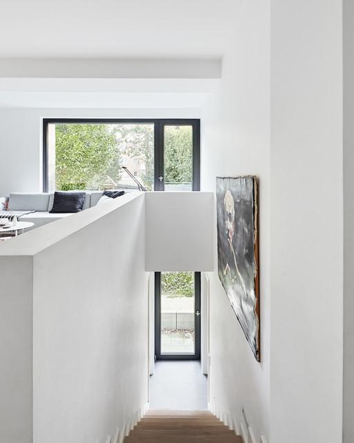 Treppenhaus mehrfamilienhaus modern  Anbau an ein Mehrfamilienhaus in Düsseldorf - Modern - Treppen ...