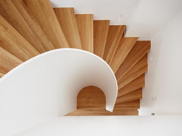 ausbau einer dachgeschosswohnung zur maisonette modern treppen berlin von fluidlab. Black Bedroom Furniture Sets. Home Design Ideas