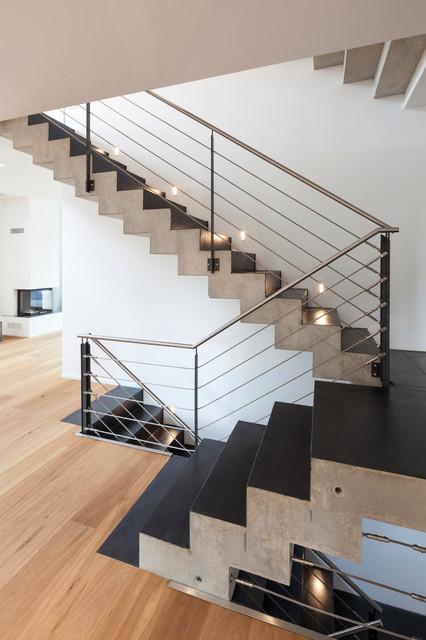 beton cir auf treppe contemporary staircase other metro by einwandfrei die wanddesigner. Black Bedroom Furniture Sets. Home Design Ideas