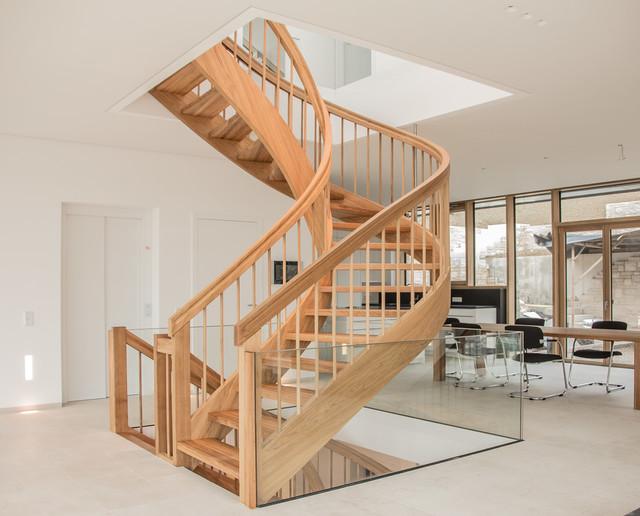 Bogentreppe treppenbau klassisch treppen stuttgart von holzmanufaktur ballert e k - Holzmanufaktur stuttgart ...