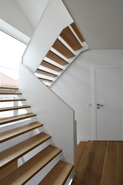 Treppenhaus Mehrfamilienhaus Modern