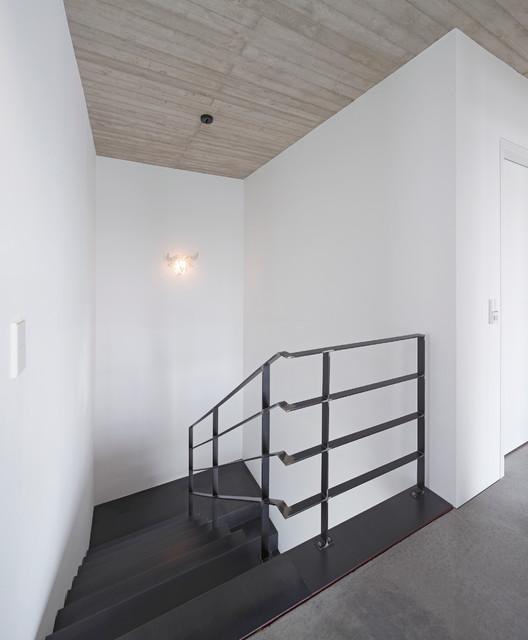 Haus p minimalistisch treppen dortmund von hans for Haus minimalistisch