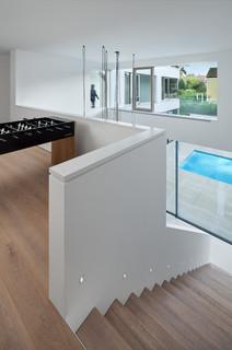 haus r minimalistisch treppen m nchen von be. Black Bedroom Furniture Sets. Home Design Ideas