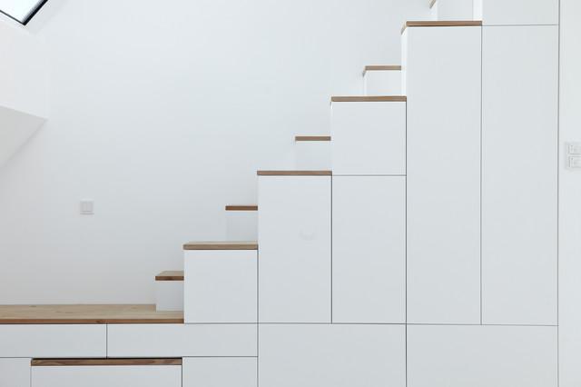 minimalist modern sanierung m nchen by buero philipp moeller bauhaus look treppenhaus. Black Bedroom Furniture Sets. Home Design Ideas