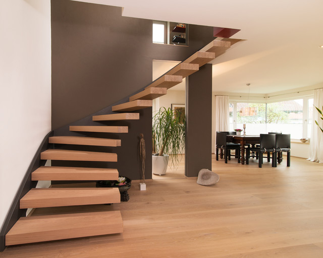 offene treppe im wohnbereich modern treppen. Black Bedroom Furniture Sets. Home Design Ideas