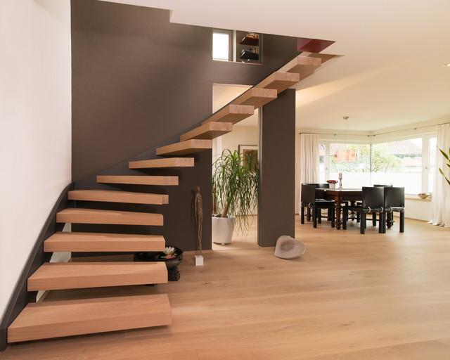 Offene Treppe im Wohnbereich - Modern - Treppen - Stuttgart ...