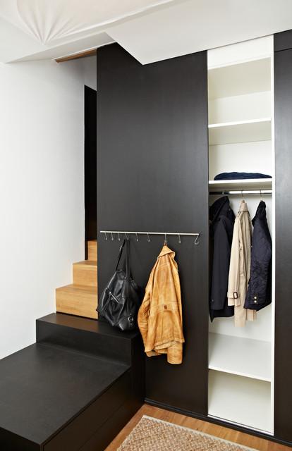 schrank treppenkombination mit garderobe. Black Bedroom Furniture Sets. Home Design Ideas