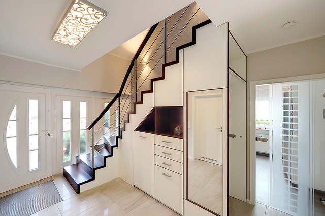 stauraum unter treppenbereich contemporary staircase leipzig by katrin reinhold dipl. Black Bedroom Furniture Sets. Home Design Ideas