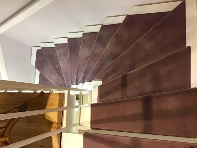 Stufenmatten Nach Mass Aus Reiner Schurwolle Fur Treppe Im