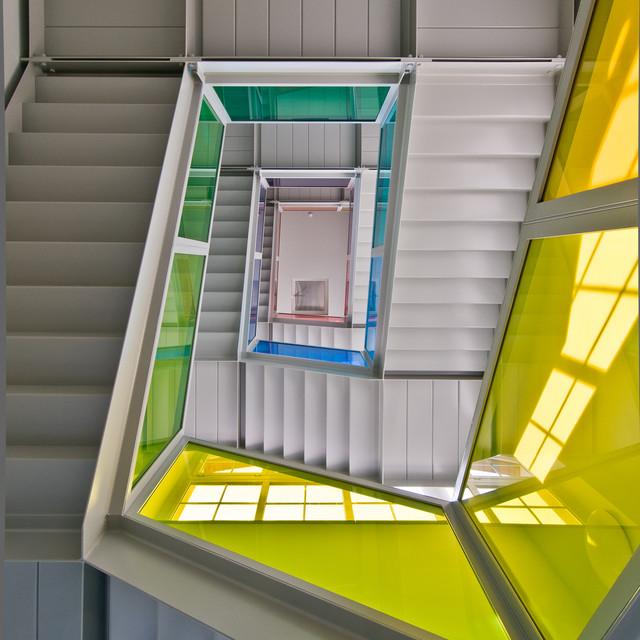 Treppen Dresden treppenhaus farbige glasbrüstungen industrial treppen dresden