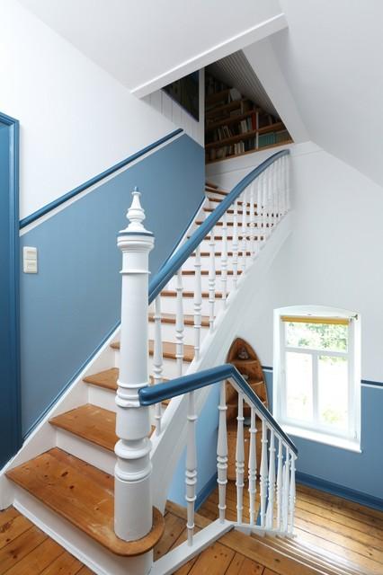 treppenhaus und fassade privathaus. Black Bedroom Furniture Sets. Home Design Ideas