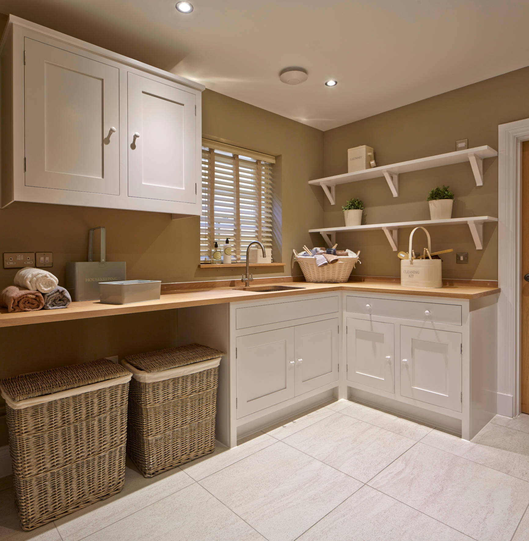75 Beautiful Laundry Room With Wood Countertops Pictures Ideas December 2020 Houzz