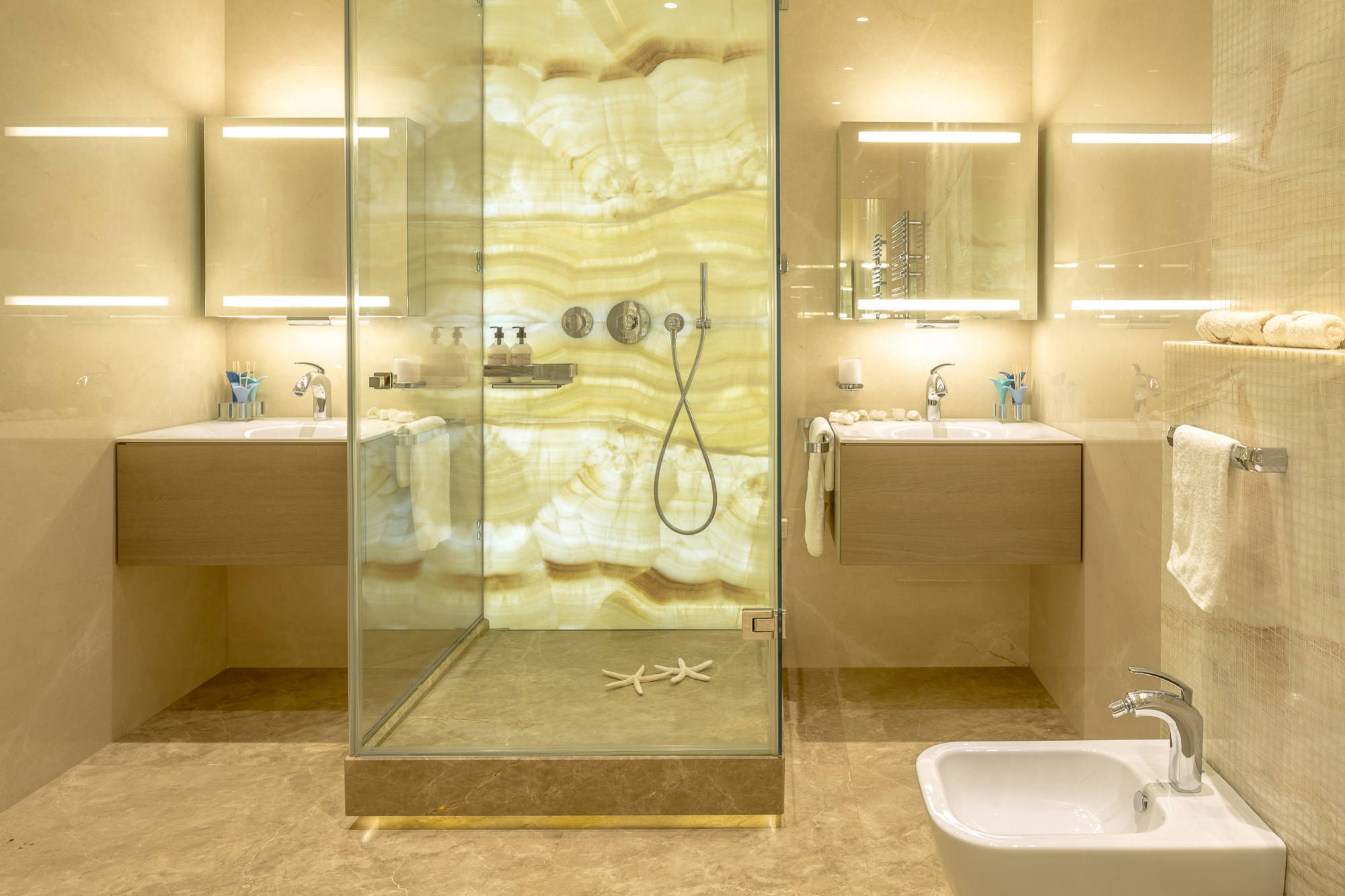 75 Beautiful Yellow Marble Tile Bathroom Pictures Ideas February 2021 Houzz