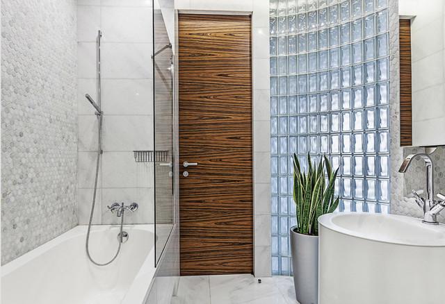 Перепланировки ванной комнаты, разрешенные законом | Houzz Россия