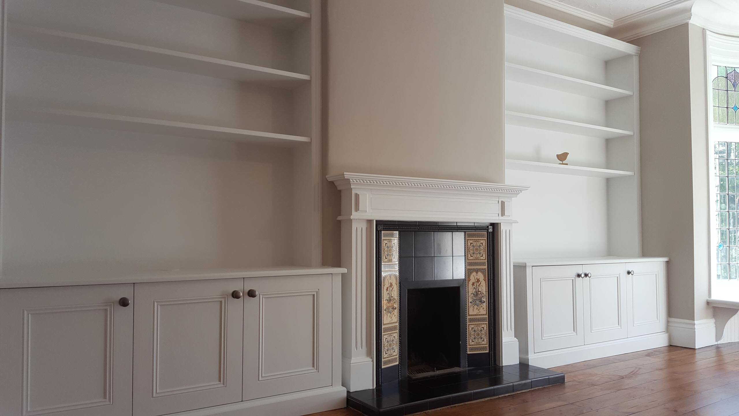 Alcove units with Classic Style Triple Cupboards