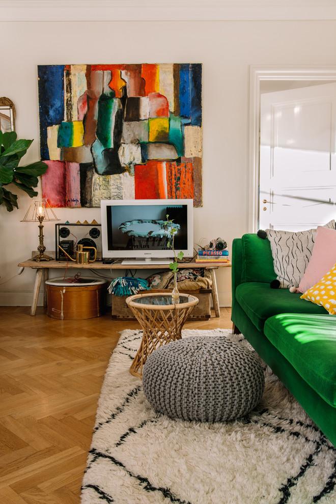 Exempel på ett eklektiskt vardagsrum