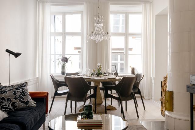 Vardagsrum vardagsrum klassiskt : Foton och inredningsidéer för klassiska vardagsrum, med målat trägolv