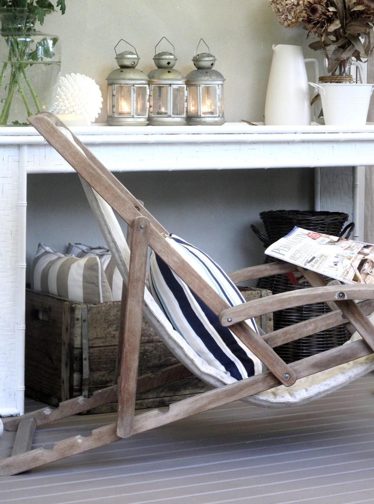 Elegant porch photo in Sydney with decking