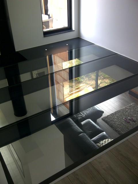 dalle de sol moderne v randa et verri re nancy par miroiterie righetti. Black Bedroom Furniture Sets. Home Design Ideas