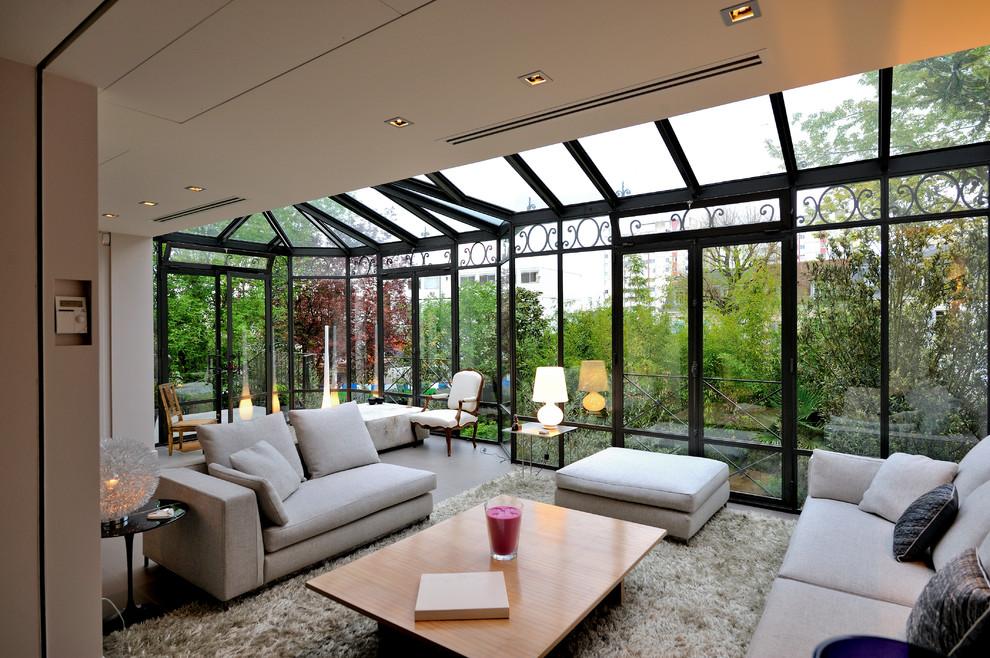 Esempio di una veranda contemporanea