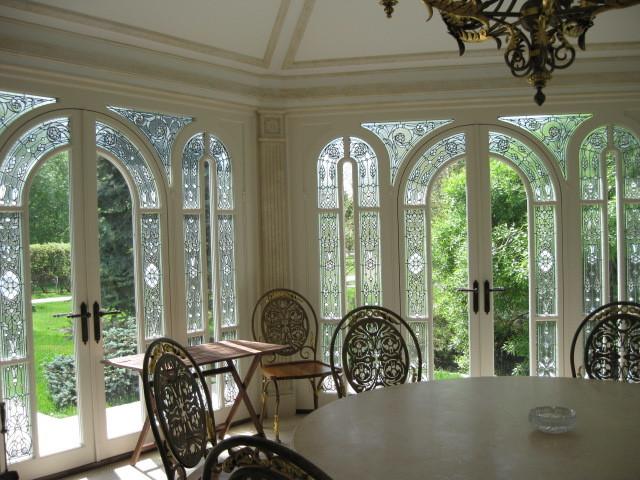 stained glass panels art glass vitraux classique chic v randa et verri re paris. Black Bedroom Furniture Sets. Home Design Ideas