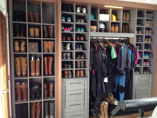 Delicieux Mid Sized Trendy Closet Photo In Dorset With Gray Cabinets