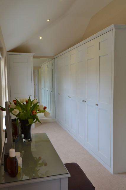 Country Living - Hampshire traditional-closet