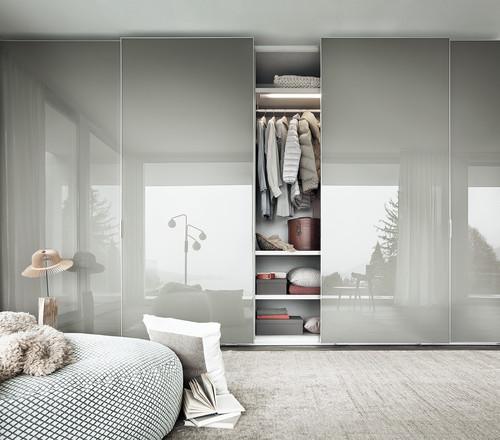Reflecting wardrobe doors