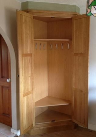 Fitted Oak Corner Storage Unit Traditional Closet