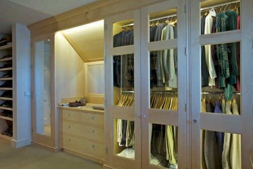 wardrobe closet lighting