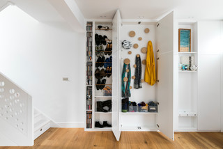 Entryway Organized Storage