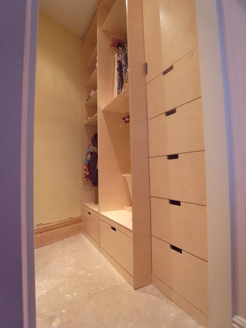 Walk-In Wardrobes, Woodford Green - Modern - Closet - london - by Carpenter & Carpenter Ltd