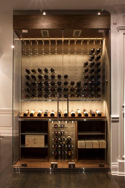 Wine cellar - contemporary wine cellar idea in Toronto