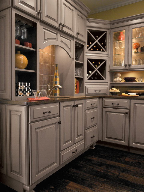 Diamond cabinetry traditional wine cellar for Diamond kitchen cabinets