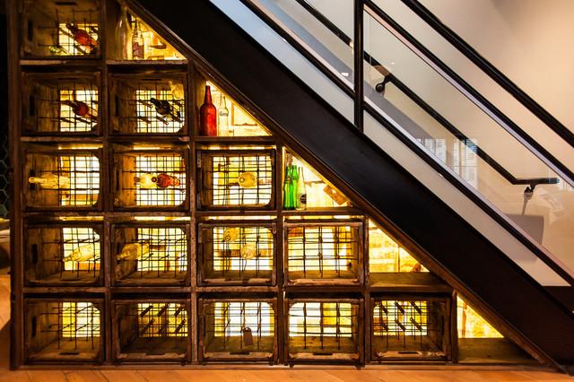 Hamilton - Eclectic Industrial loft-vinnyy-pogreb