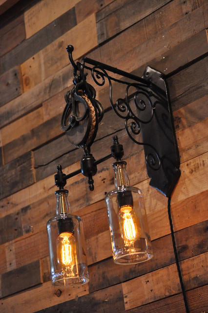 Rustic Chic Pulley Wall Lamp With