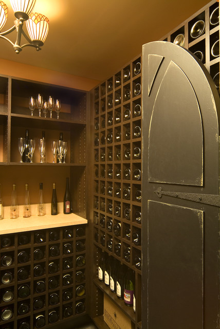 Van Singel Lake mediterranean wine cellar