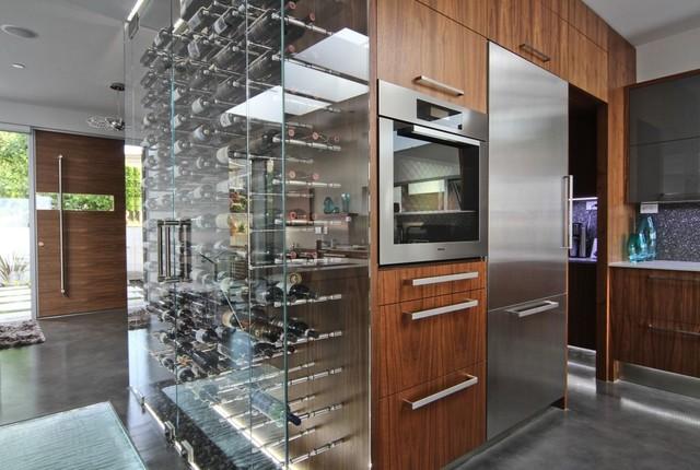 Vin de garde modern wine cellars modern wine cellar for Garde maison pendant vacances belgique